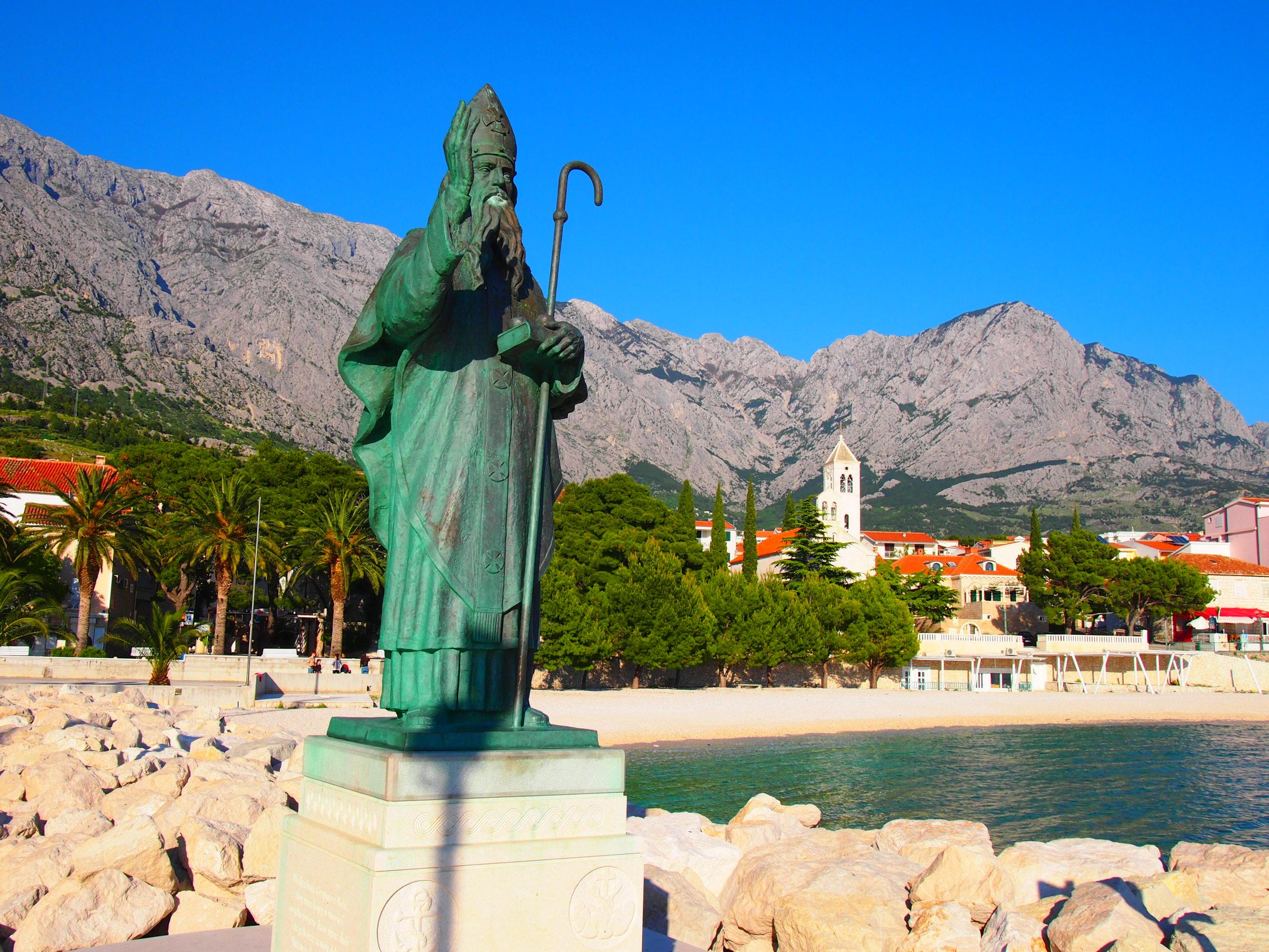Baška Voda statue
