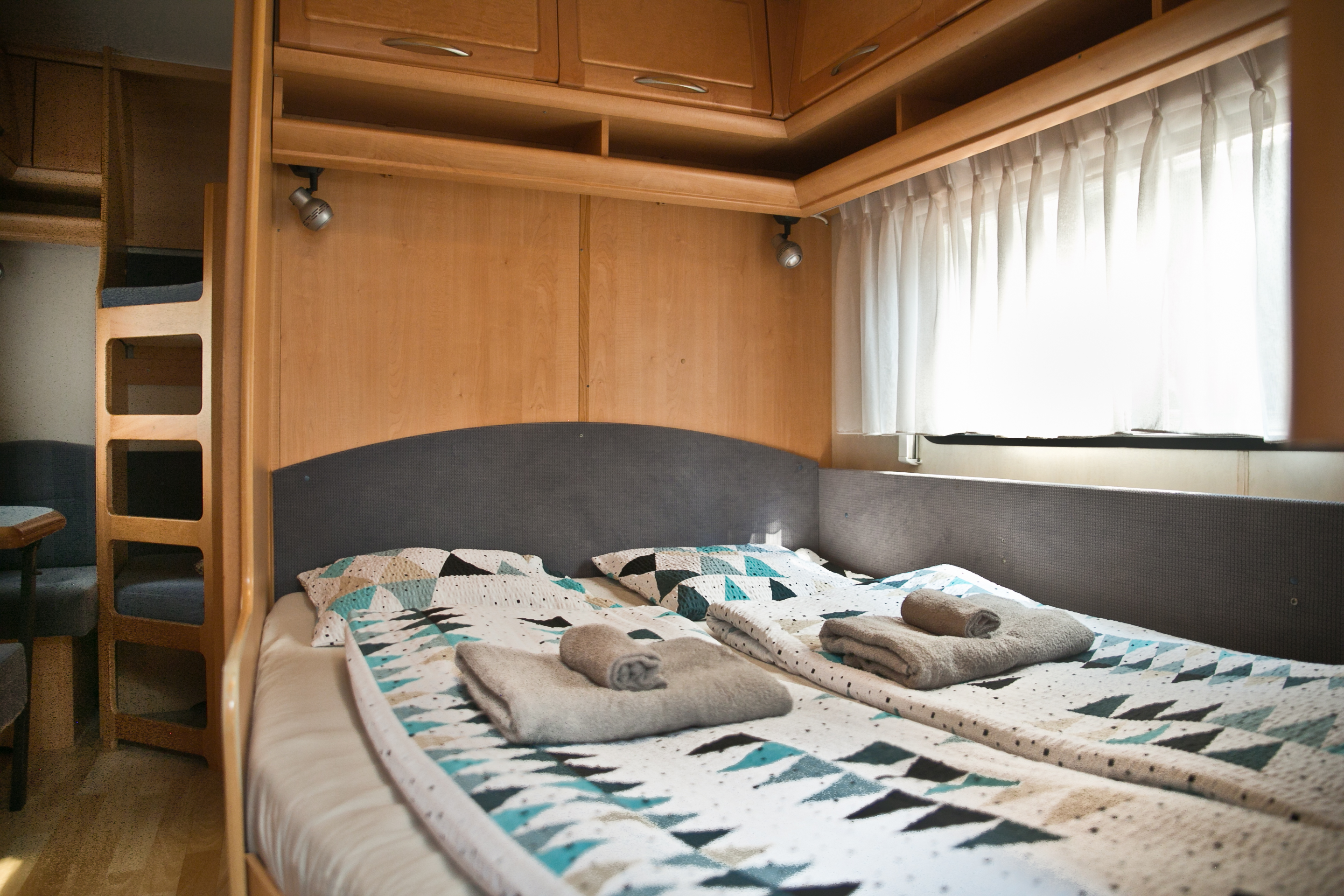 bedroom in caravans in Baško Polje